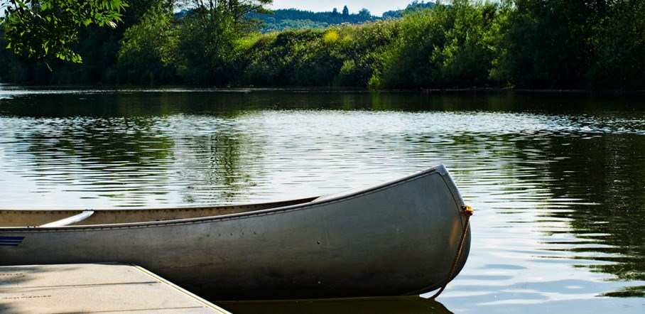 canoeing-at-the-river-wye.jpg